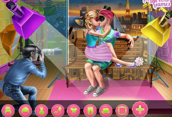 Couples Love Album Game - Play Couples Love Album Online