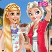 Frozen And Rapunzel Fashion Selfie