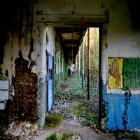 Escape Old Warehouse Crown